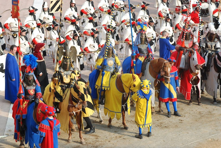 Games & tournaments, medieval fairs in Tuscany