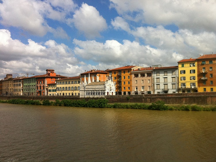 Pisa itinerario da un giorno piazza dei miracoli torre for L arreda negozi pisa