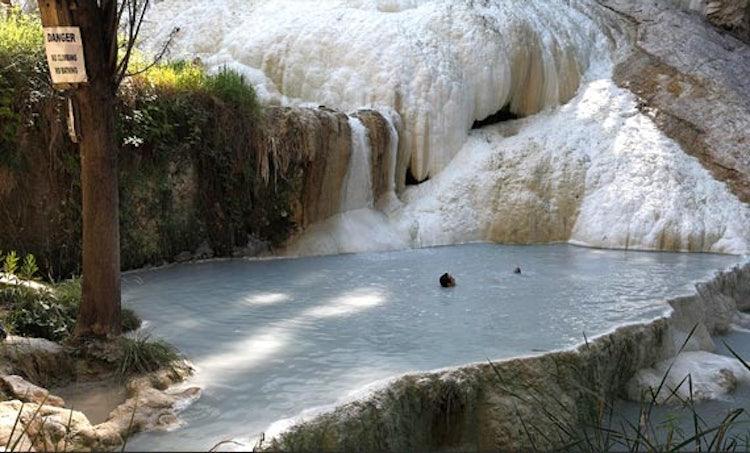 Terme in toscana le sorgenti di acqua calda all 39 aperto di bagni san filippo - Distanza da siena a bagno vignoni ...