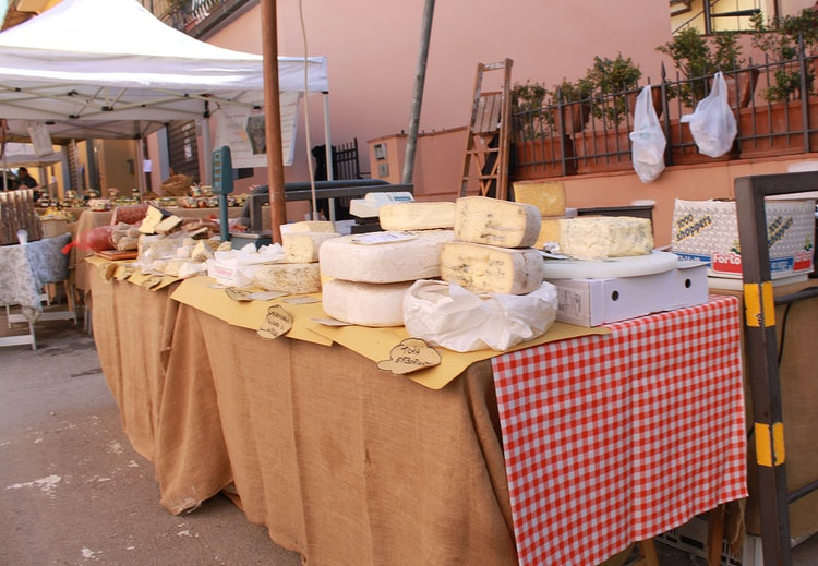 Markets in and Around Florence May 2018
