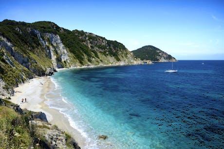 Atuo Tour Through Italy