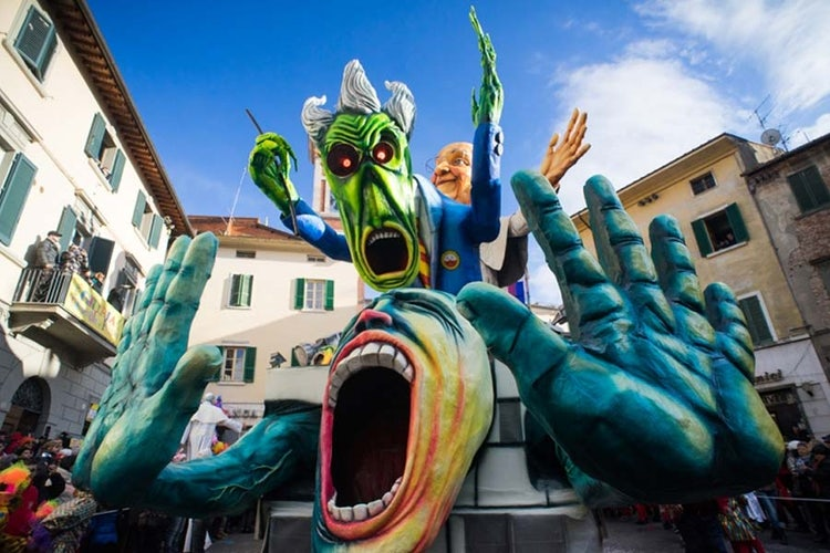 Carnival in Tuscany, where to go for the best events.