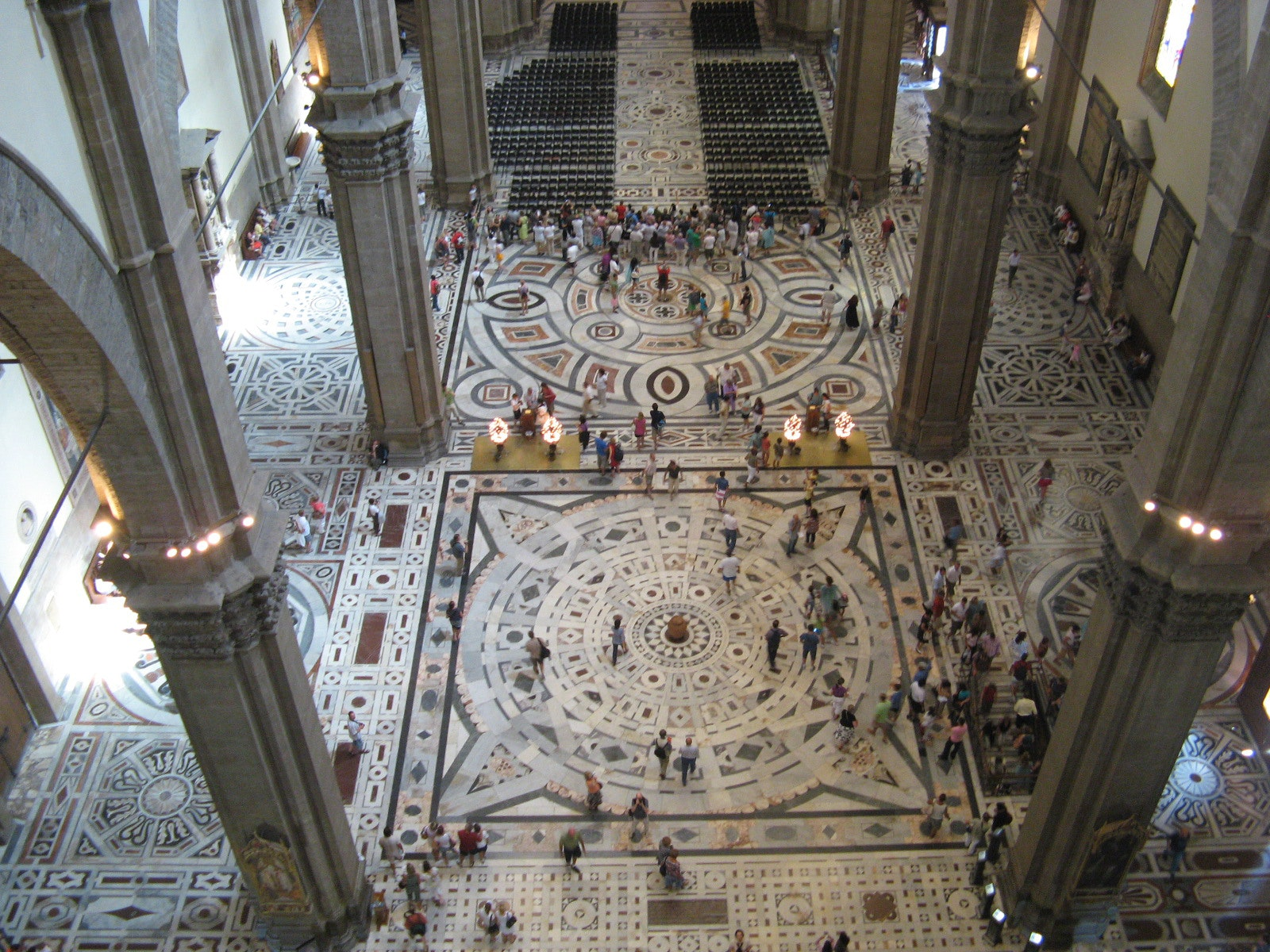 an analysis of the florence cathedral in italy Florence cathedral (1420-36): filippo brunelleschi's dome and italian  renaissance architecture.