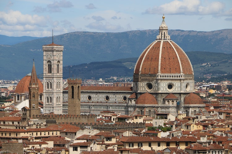 Exploring Florence while based in Pisa is easy & convenient