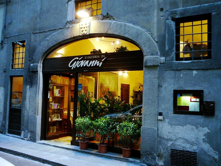 Osteria di Giovanni for a good bistecca Fiorentina in Florence Tuscany