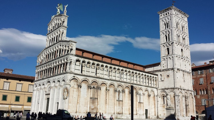 Lucca is the place to wander shops, churches and cafes