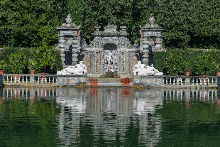Villa Reale in Marlia, Lucca: The pond in the Lemon Garden