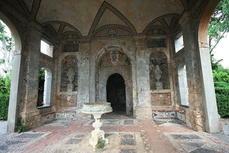 Villa Reale in Marlia, Lucca: The Grotta, possibly designed by Buontalenti