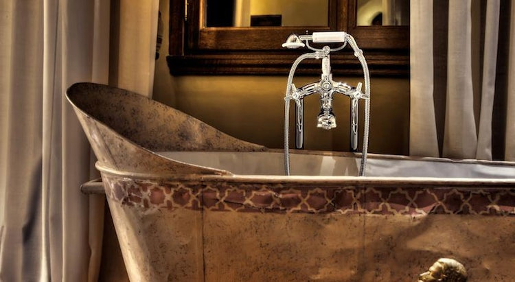 Elegant bathrooms at Il Salvaiatino