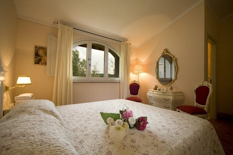 Borgo della Meliana: Lots of natural light in the bedrooms