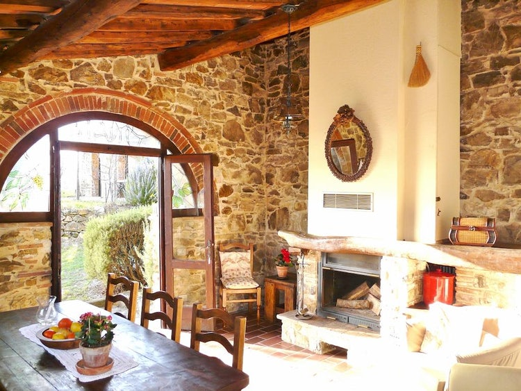 Podere Patrignone holiday apartment rentals in Castellina in Chianti :: Discover Tuscany
