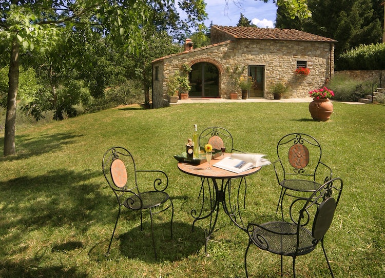 Sunny garden with a prefumed garden and lots of silence at Poggio al Sole B&B near Fiesole in Florence