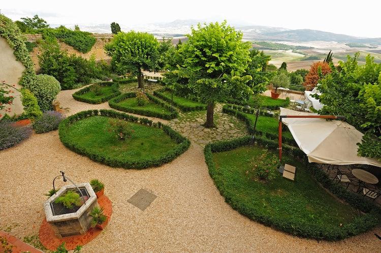 Italian styled garden at Relais Chiostro Pienza