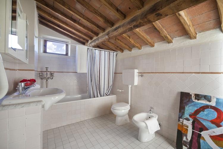 Bathroom at Rocca Cispiano