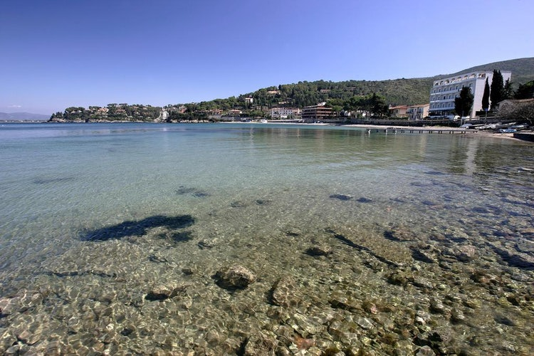 Baia d'Argento: Set right on the bay with sandy beaches