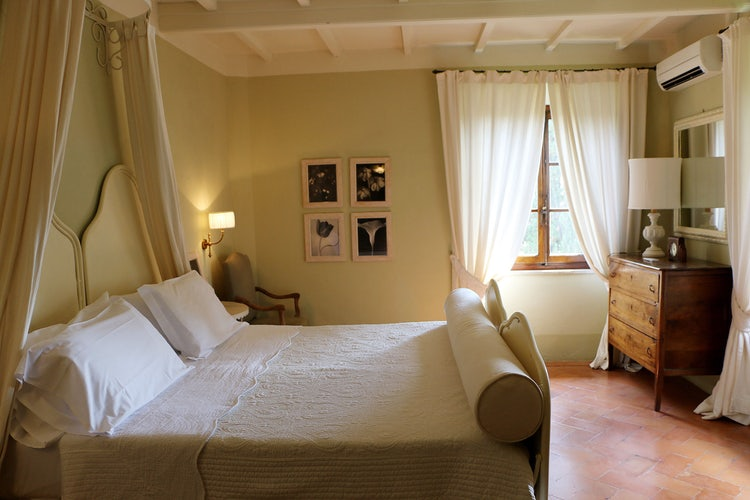 Guest bedroom at B&B Villa Dianella near Florence Italy