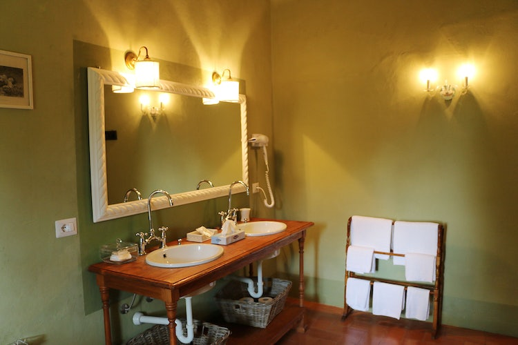Green bathroom at B&B Villa Dianella near Florence Italy