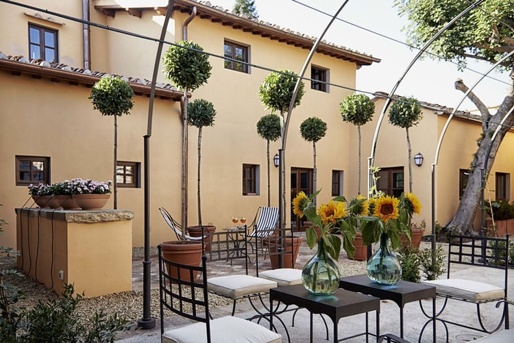 Courtyard gardens of B&B Villa Medicea di Lilliano near Florence Italy