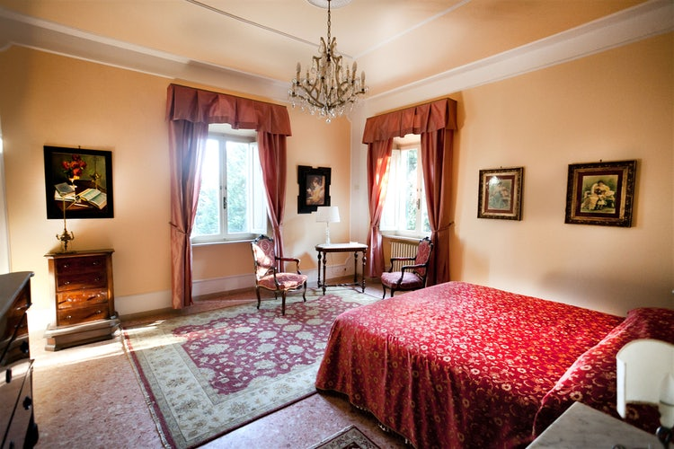 Luminous bedroom  at Villa Vianci