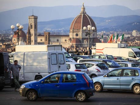 car rentals in florence rent a car in florence italy. Black Bedroom Furniture Sets. Home Design Ideas